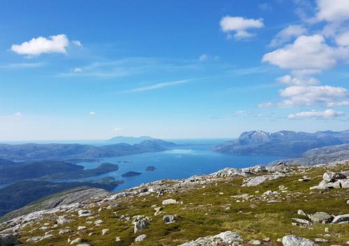 Utsikt utover Velfjorden