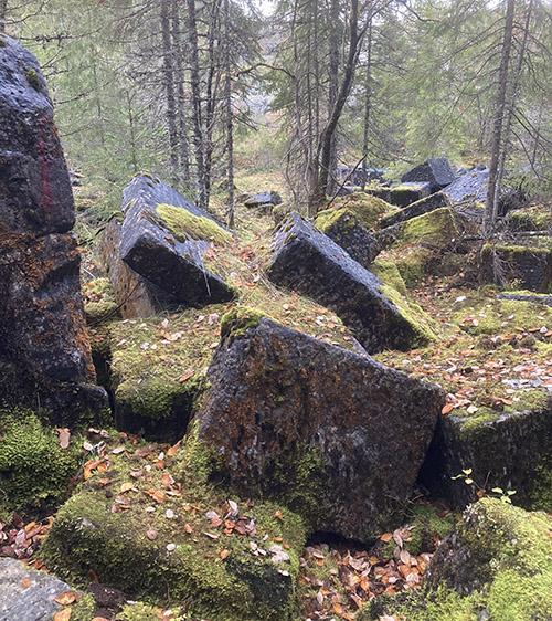Rester etter tidligere bergverksdrift