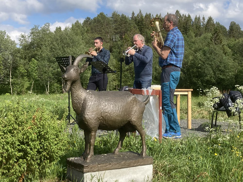 Fanfare av Steffen Strøm, Audun Strøm og Bjørn Terje Schou